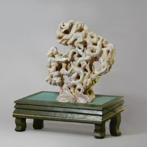 頑仙 Stubborn Stone   28cm x 10cm x 30cm 2020  Camphor Wood and Acrylic